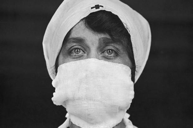 A história se repete: meias verdades, pandemias e vidas perdidas
